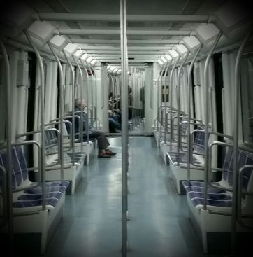 Interior de un vagón de la L3 del metro de Barcelona