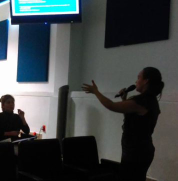 Mariana Arzate Alexis Hellmer en las Primeras Jornadas para futuros Traductores de la UAQ